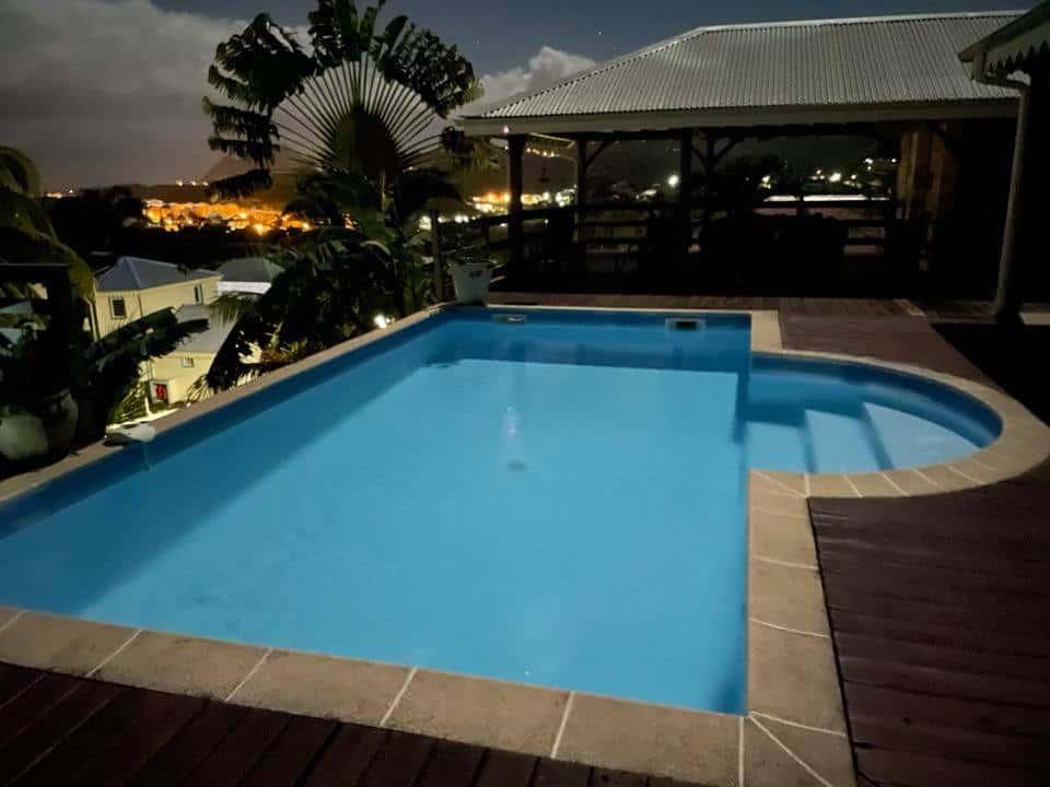 La villa martiniquaise piscine