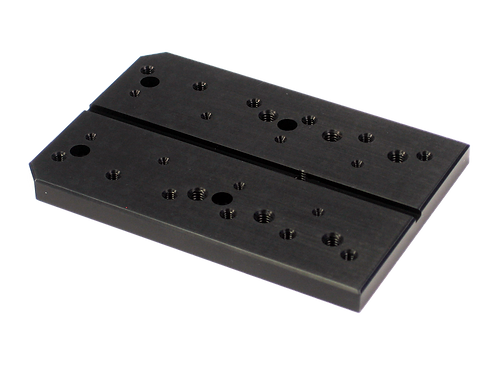 AMA004 - Melles Griot Inline Mounting Adaptor Plate