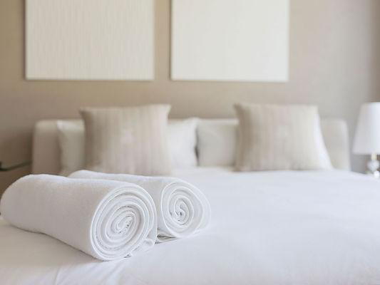 54d29f0ff743358e0c1dc983_hotel-towel-chi