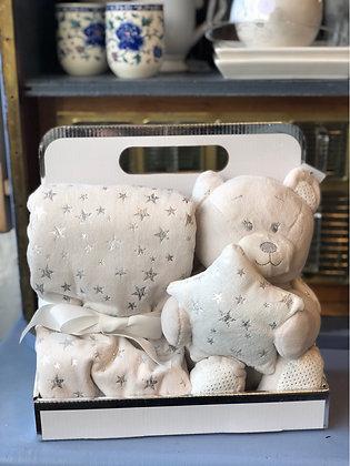 Teddy mit Decke