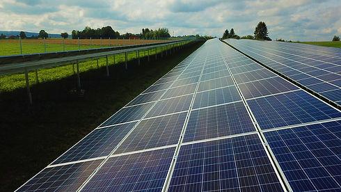 photovoltaic-4541309_1920.jpg
