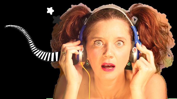 גליה מקשיבה לאזניות לא מחוברות