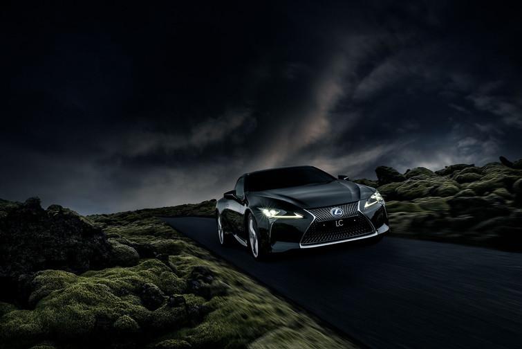 Lexus-LC500h-Hraun.jpg