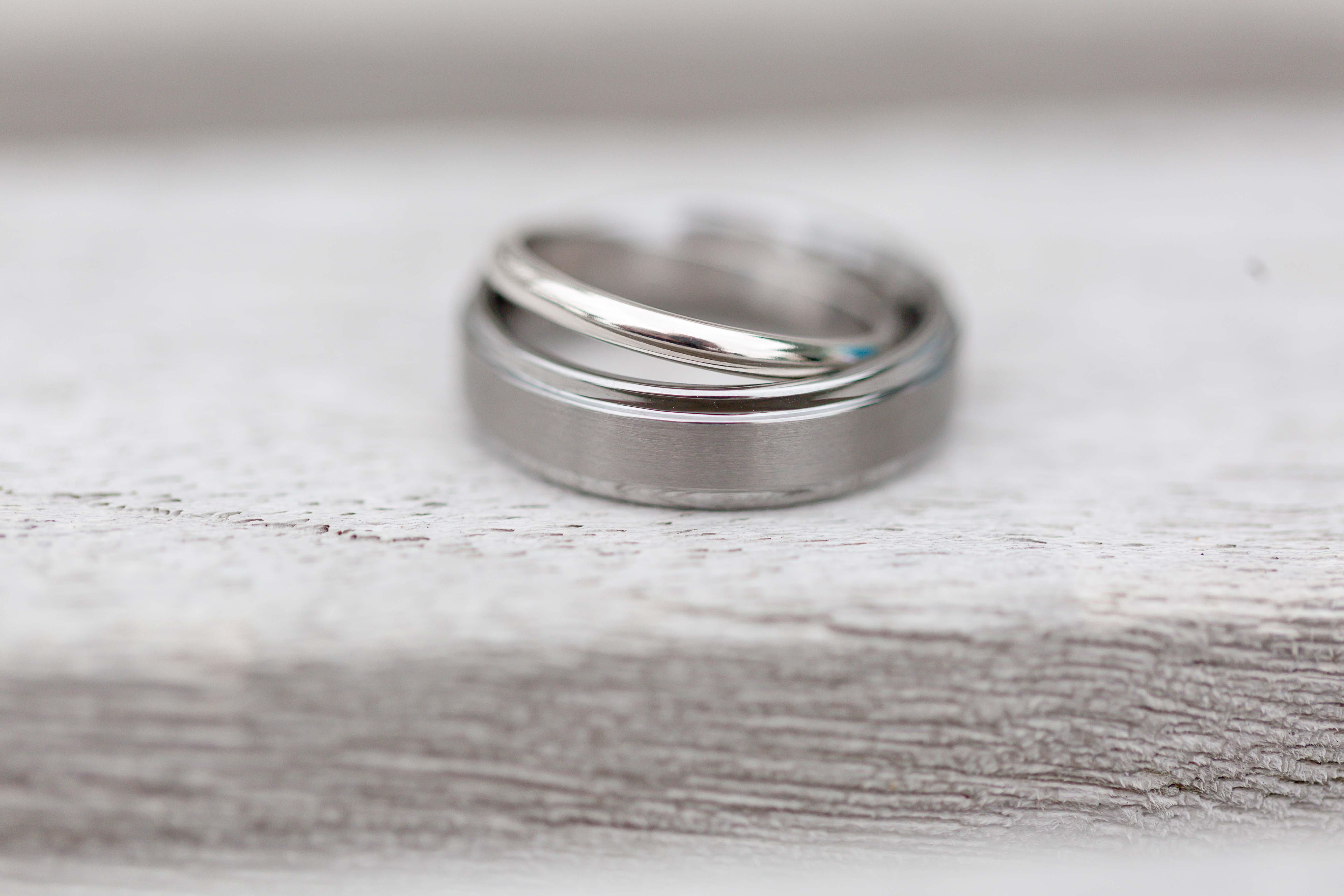 wedding_rings-bowling_green_wedding_photographer
