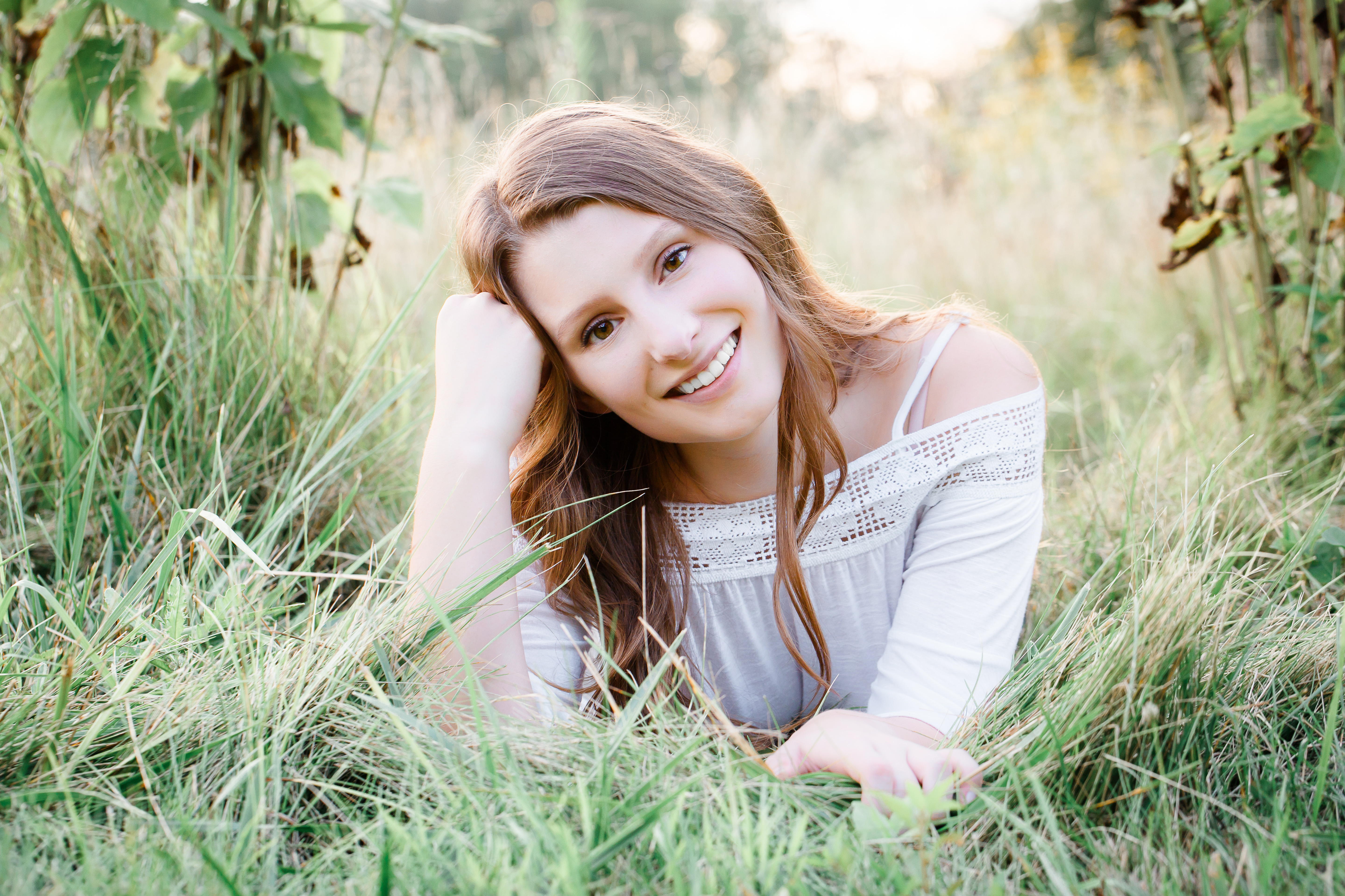 girl-in-field-senior-picture-ideas-findl