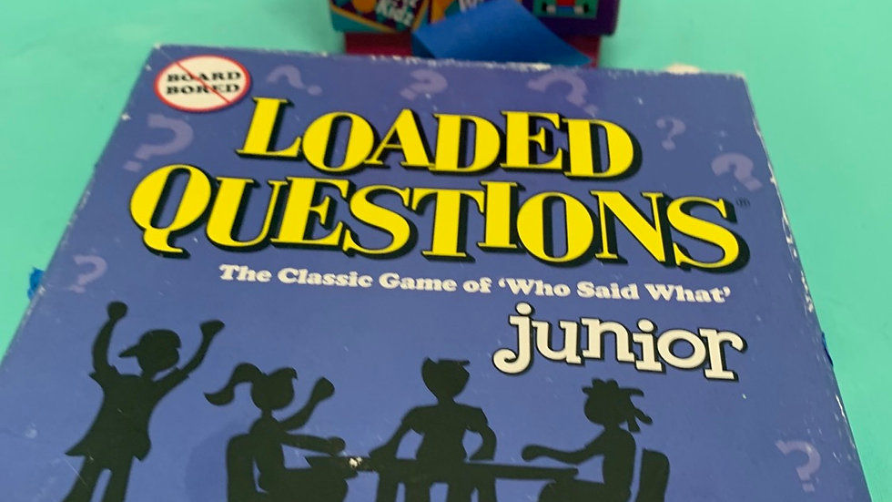Whiz kid card game, loaded questions Junior