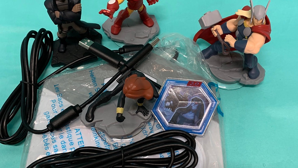 Disney infinity marvel 2 .0 game starter 2bases, 4charac characters