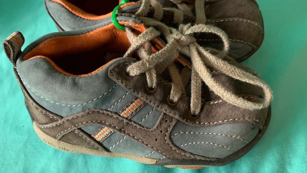 Little kid size 5 wide, stride Rite gray and blue