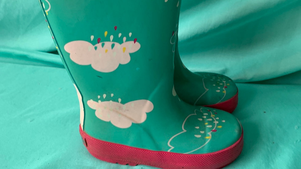 Little kid size 5, Carter's teal with rain cloud rain boots