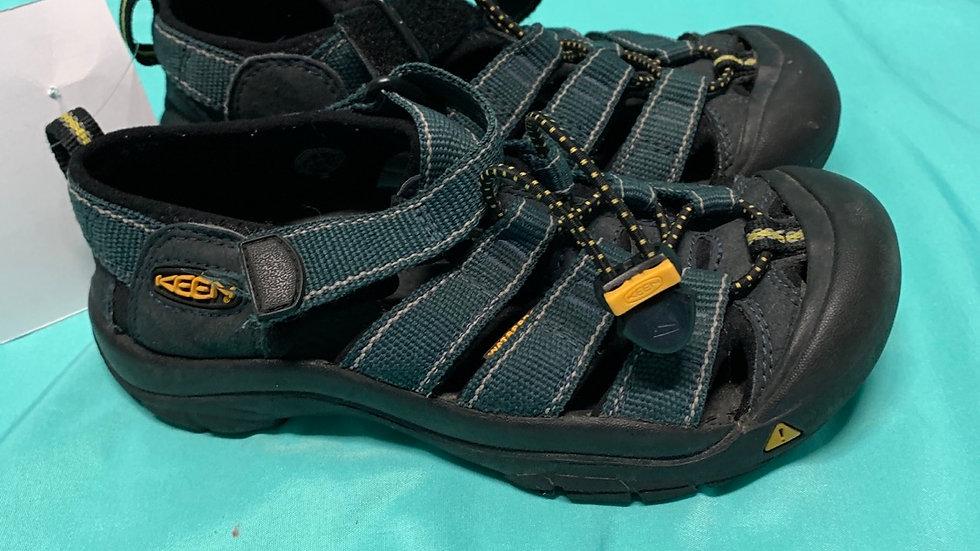 Big kid size 1, dark teal black keen sandals