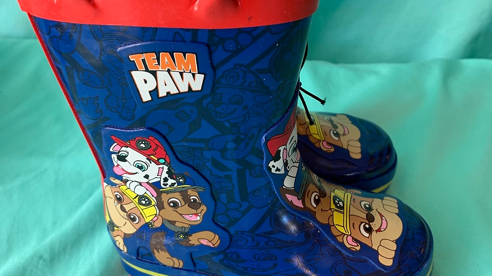 Little kid size 5-6, paw patrol rain boots brand new with tag