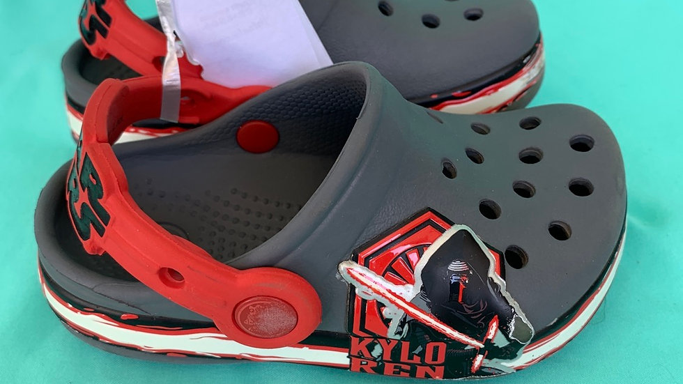 Little kid size 6, Star Wars crocs