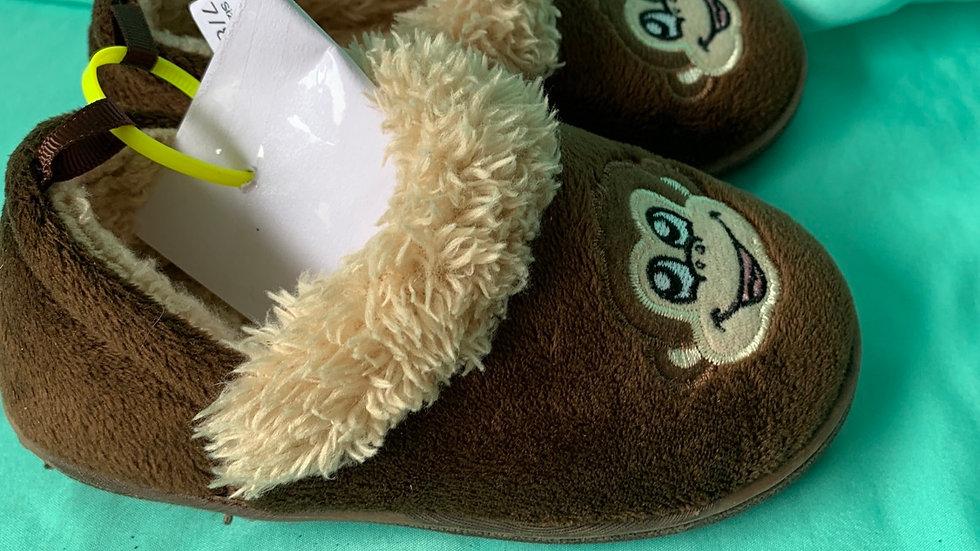 Little kid size 7-8, monkey slippers