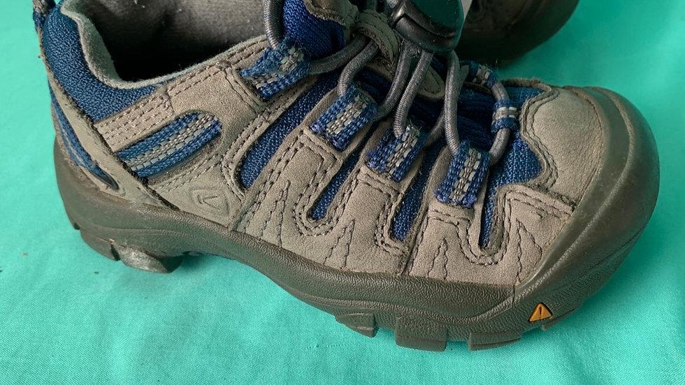 Little kids size 8, Keene tennis shoes