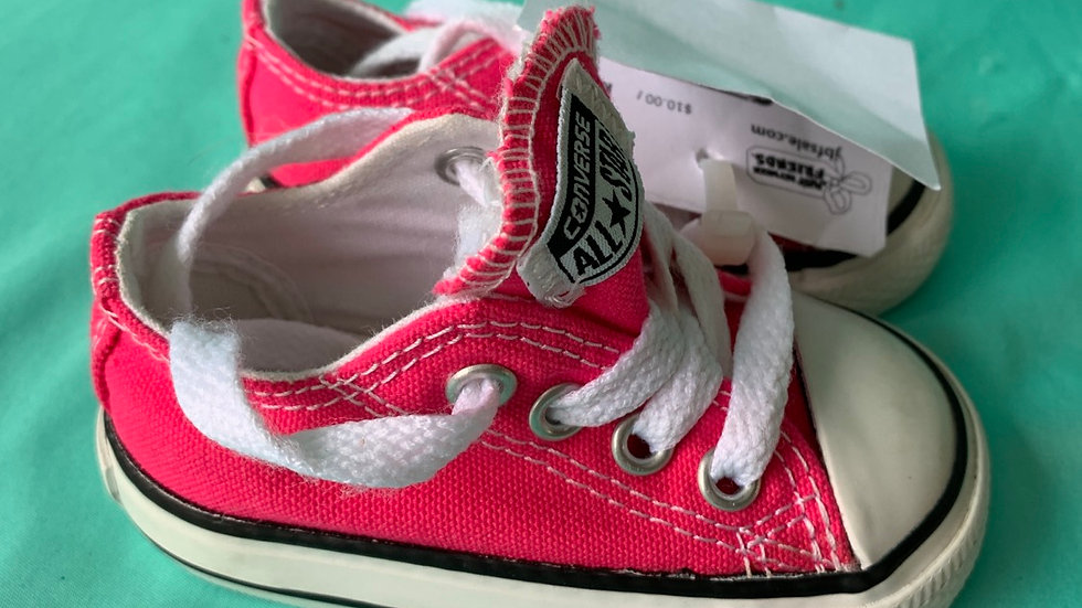 Little kid size 3, pink converse