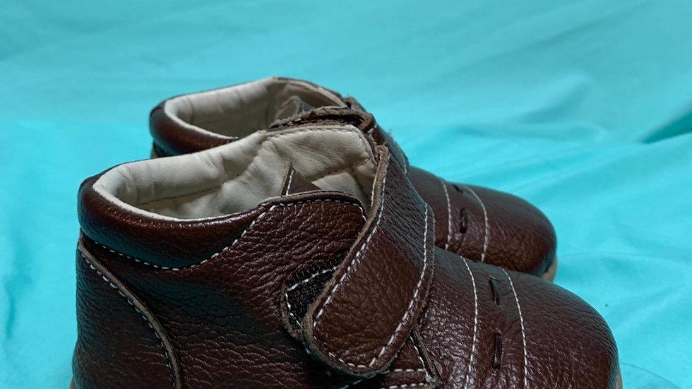 Little kid size 7, Leuna brown Velcro dress shoes