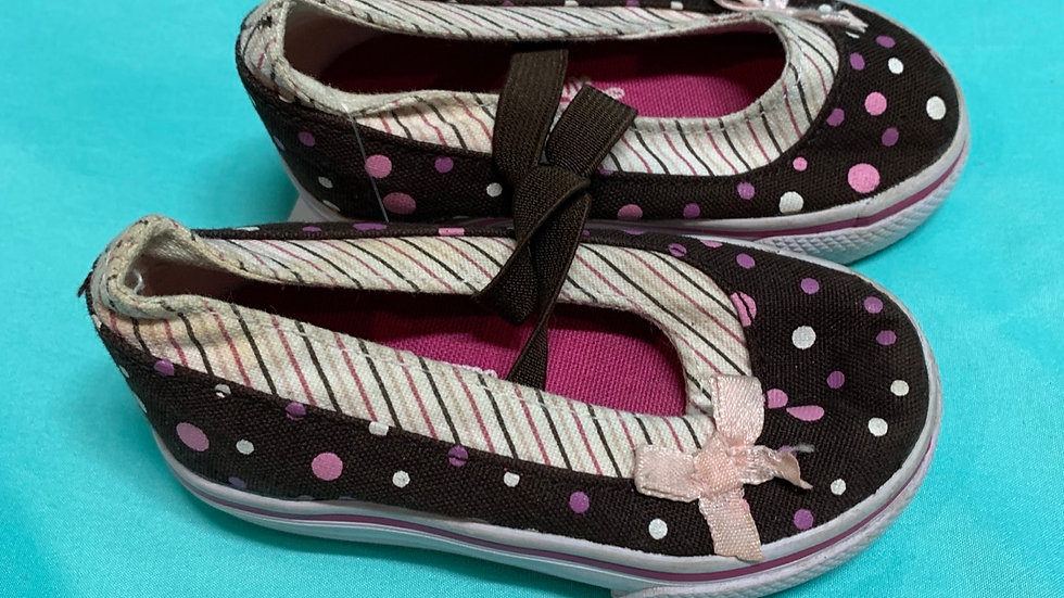 Little kid size 4 wide, tiny toes dark brown ballet canvas
