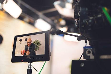 Studio mit Goofy in der Kamera.jpg