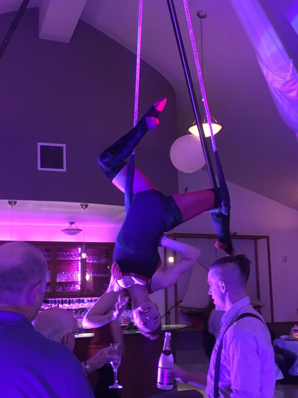 Scout Camp Arts & Media Aerialist Champagne Pour Service