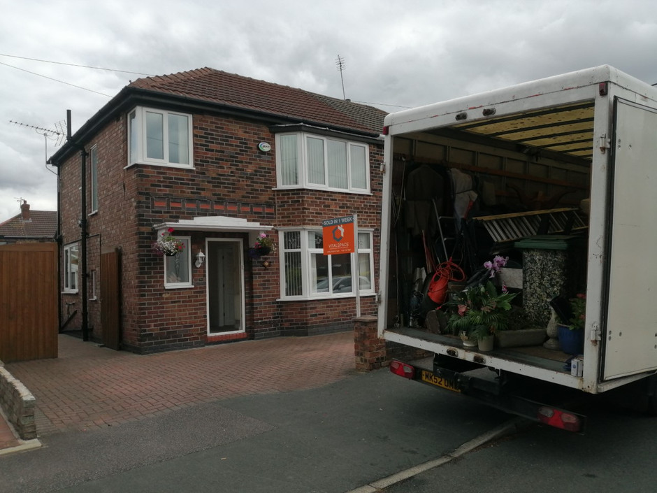 Home moving company in Ellesmere port south wirral