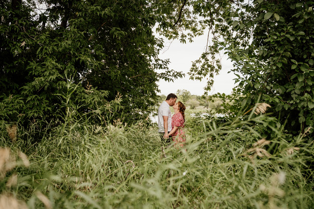 Winnipeg-Wedding-Selkirk-Engagement-Cynt