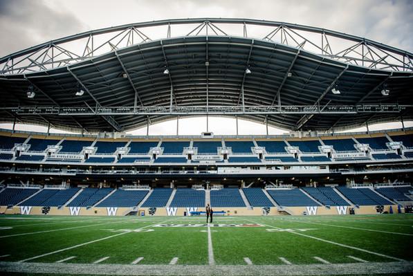 Winnipeg-CFL-Winnipeg-Blue-Bombers-Cynth