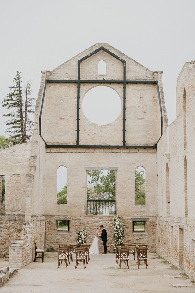 Winnipeg-Wedding-St-Norbert-Trappist-Mon