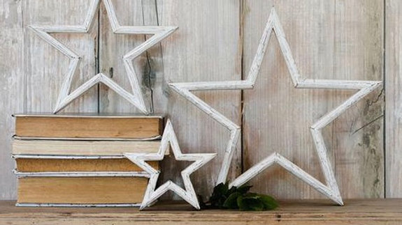 Set of 3 Mantlepiece Stars