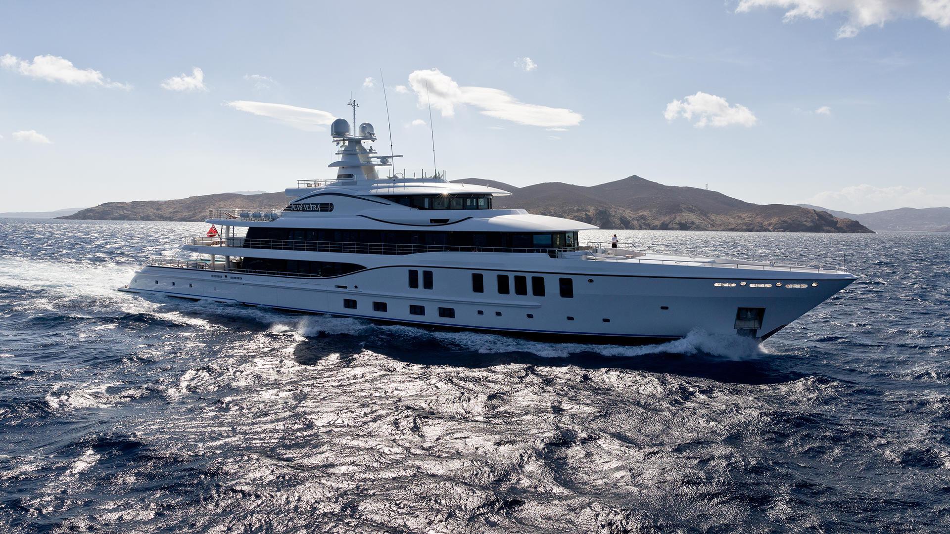 xG1rYOxmTuaJ44AzJSd1_Plvs-Vltra-Amels-LE242-yacht-hero-credit-Jeff-Brown-1920x1080