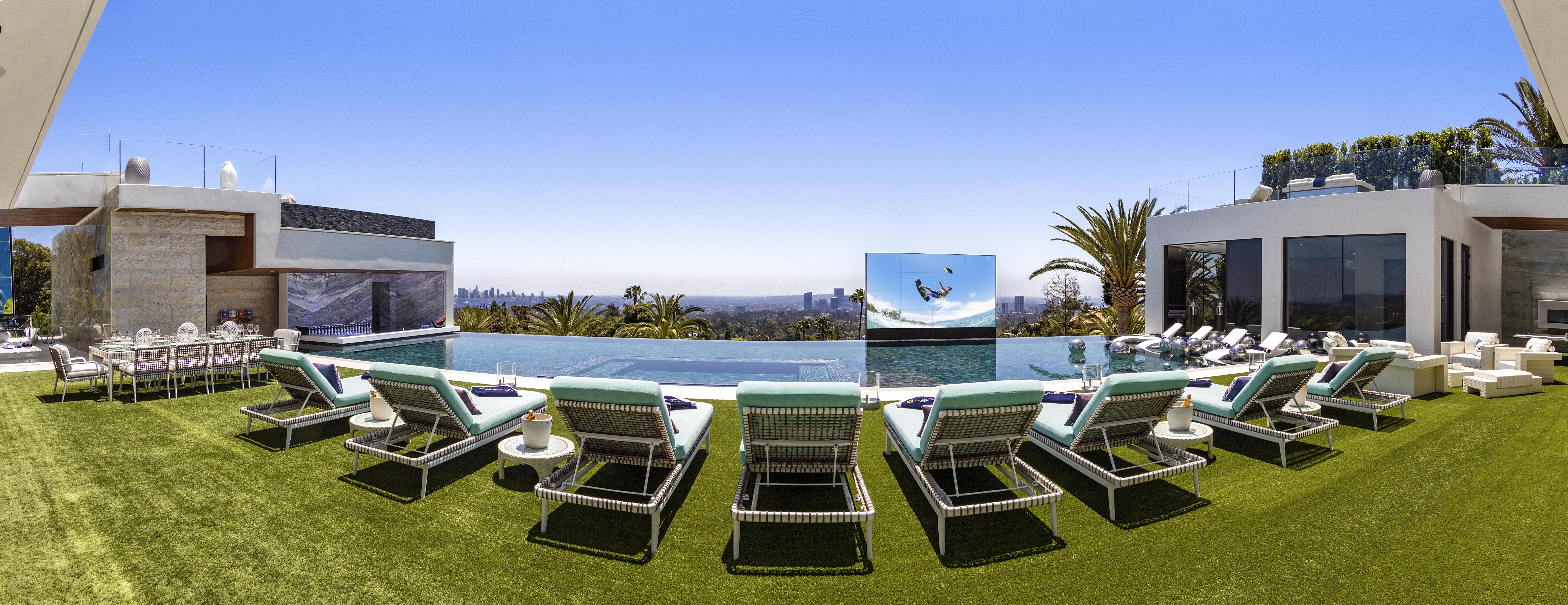 03.Pool_Panorama 300DPI