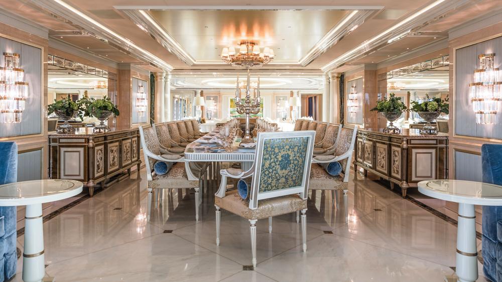 plvs-vltra-yacht-dining-room