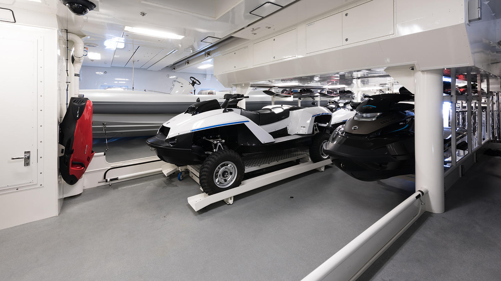 hsIArI5RWScBhFSSHT1e_Plvs-Vltra-Amels-LE242-yacht-water-toy-storage-credit-Jeff-Brown-1600x900