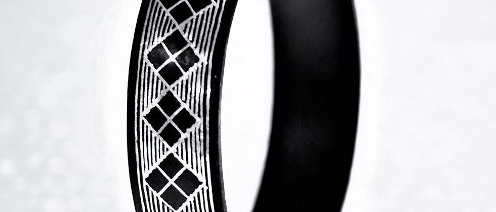 Bidriware Silver Inlay Black Metal Rhombus Bangle – Single