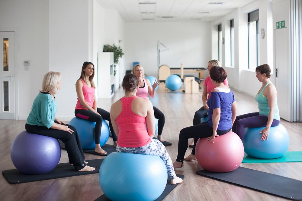 Grupo de apoio na academia de ginástica