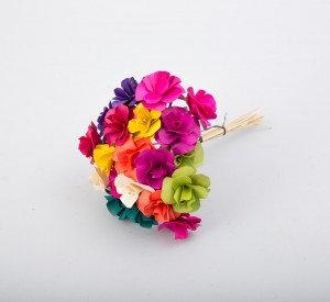 זר פרחים ציבעוני