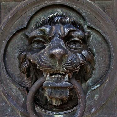 Lion Door Knocker Oakland Cemetery Atlan