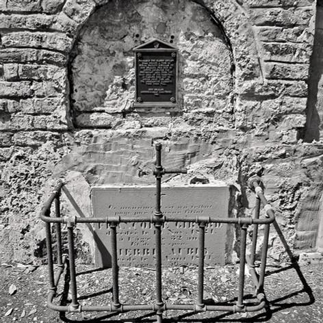 Protostant Grave