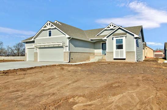 2685 S Prescott St Wichita KS-small-002-