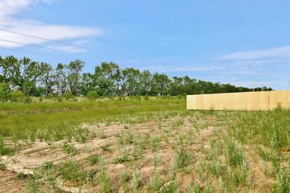 1241 E Prairie Hill St Park-small-035-03