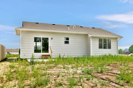 1241 E Prairie Hill St Park-small-033-00