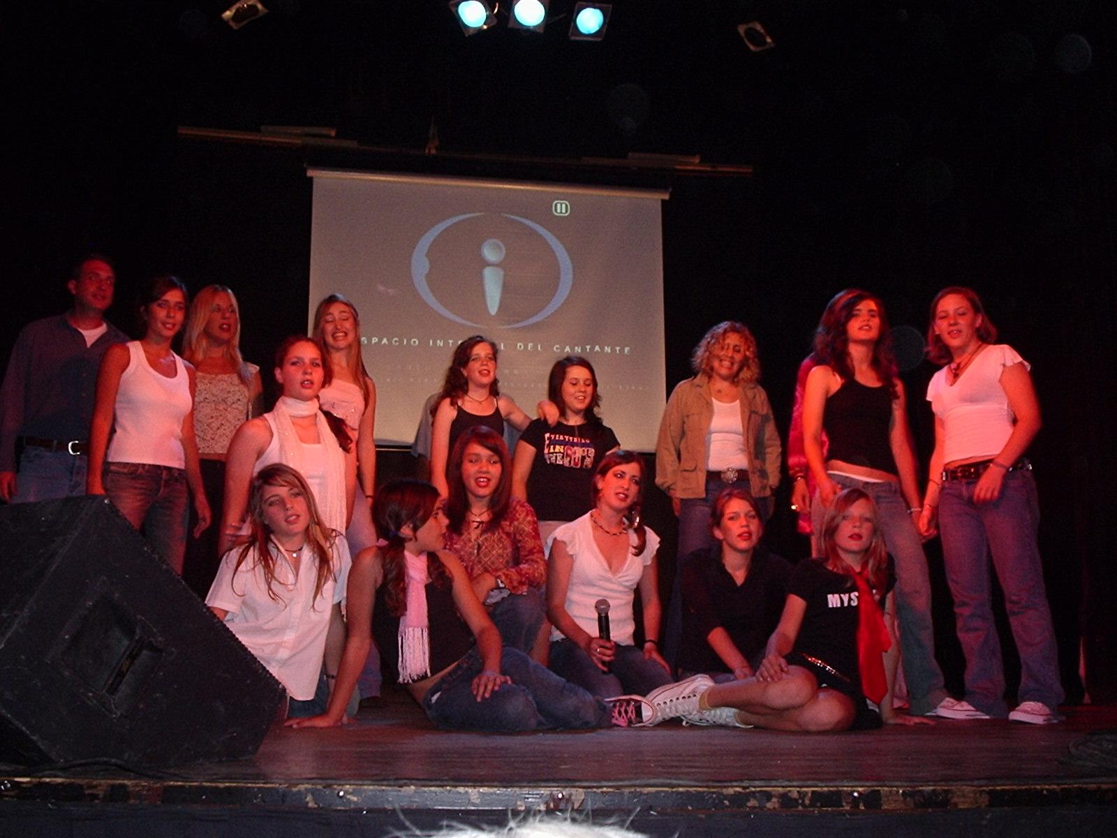 "Muestra: alumnos canto ""Rocanroll"""