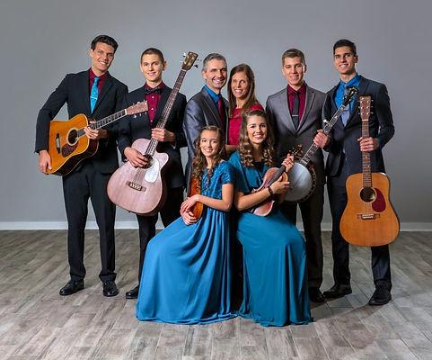 Bontrager_Family_Singers.jpg