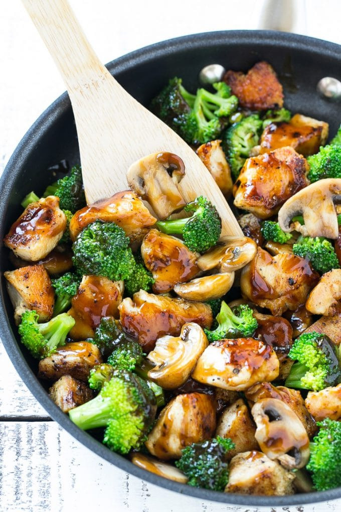 chicken and broccoli stir fry with garlic and ginger is healing for the gut
