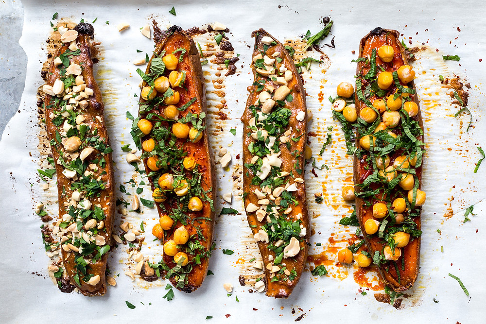 stuffed sweet potatoes with chickpeas and kale
