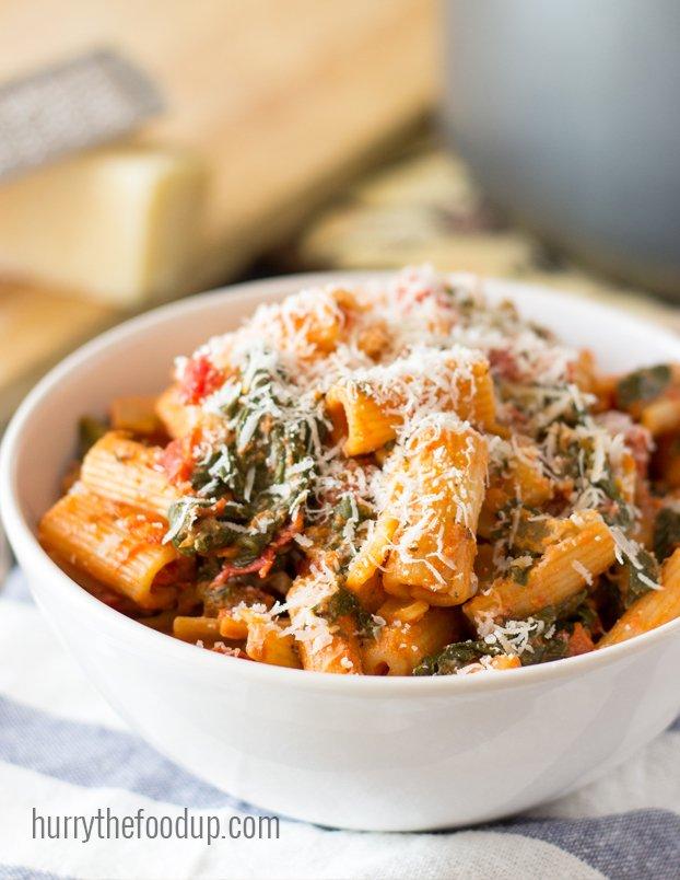 tomato-spinach-pasta