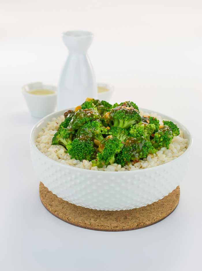 broccoli stir fry with spicy garlic sauce
