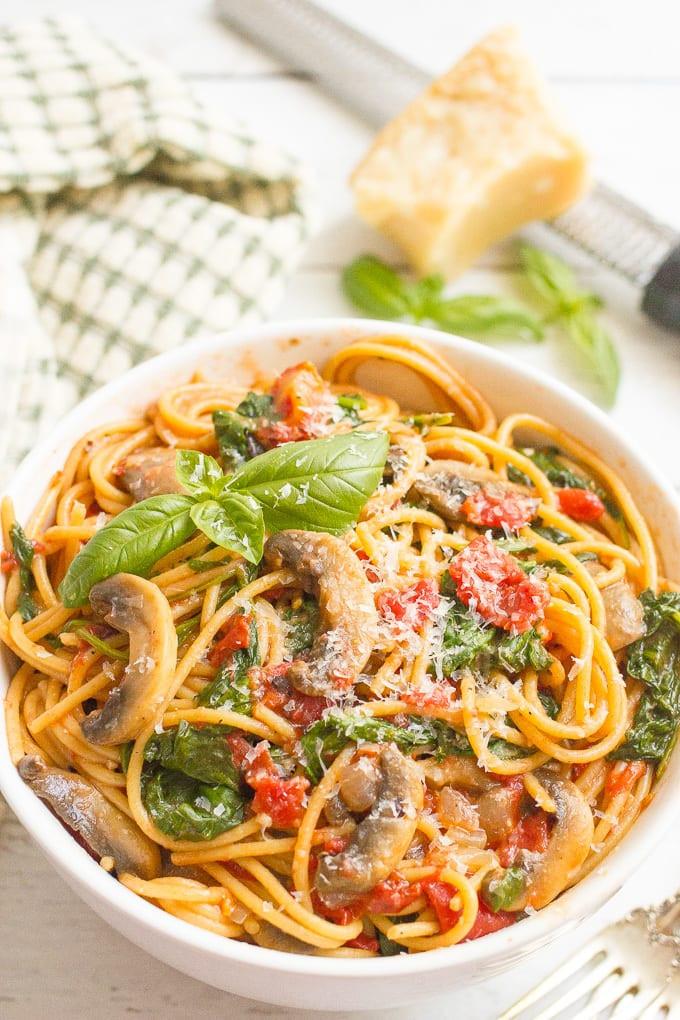 one pot vegetarian spaghetti dinner