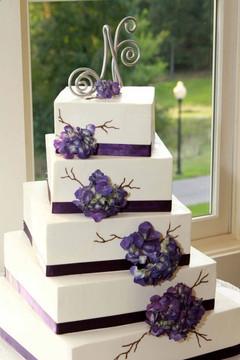 Cserfalvi Wedding Cake (4).jpg