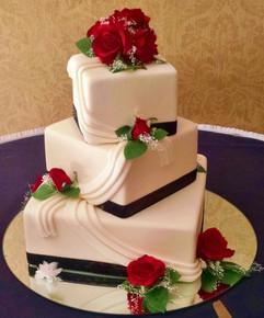 Cserfalvi Wedding Cake (1).jpg