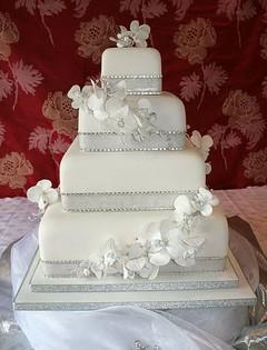 Cserfalvi Wedding Cake (8).jpg